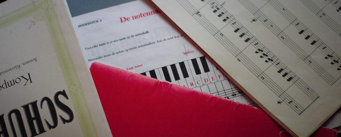 Bild zu Aufruf des Lernmoduls https://digill.de/course/https-digilehre-zflkoeln-de-lernmodule-methodik-und-didaktik-medienpaedagogik-didaktik-digitale-lernmaterialien-digitaler-content-im-sprachsensiblen-musikunterricht/ mit Notenschriften